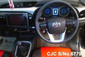 Thai Pickups Hilux Revo Smart Cab
