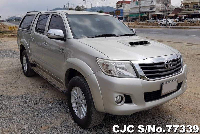 Toyota Hilux Vigo Silver AT  2013 3.0L Diesel