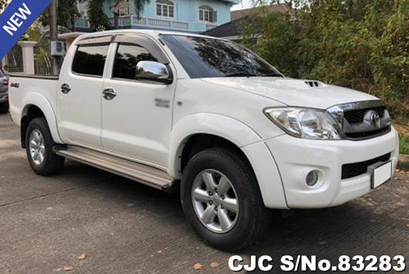 Toyota Hilux Vigo White MT 2011 3.0L Diesel