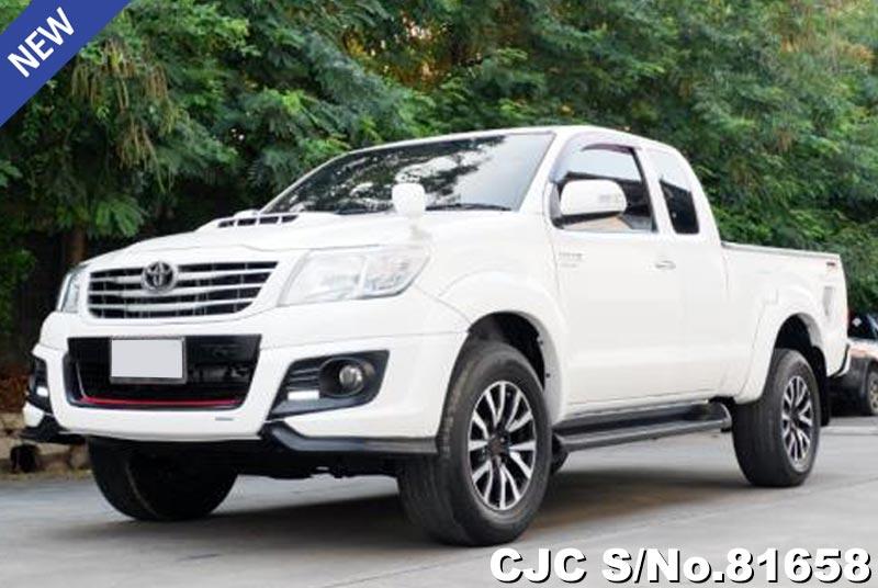 Toyota Hilux Vigo White AT 2014 2.5L Diesel