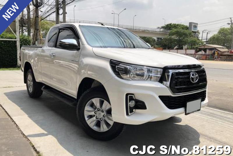 Toyota Hilux Revo White AT 2018 2.4L Diesel
