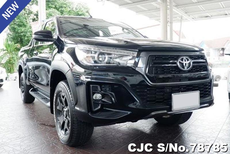Toyota Hilux Revo Rocco Black MT Smart Cab
