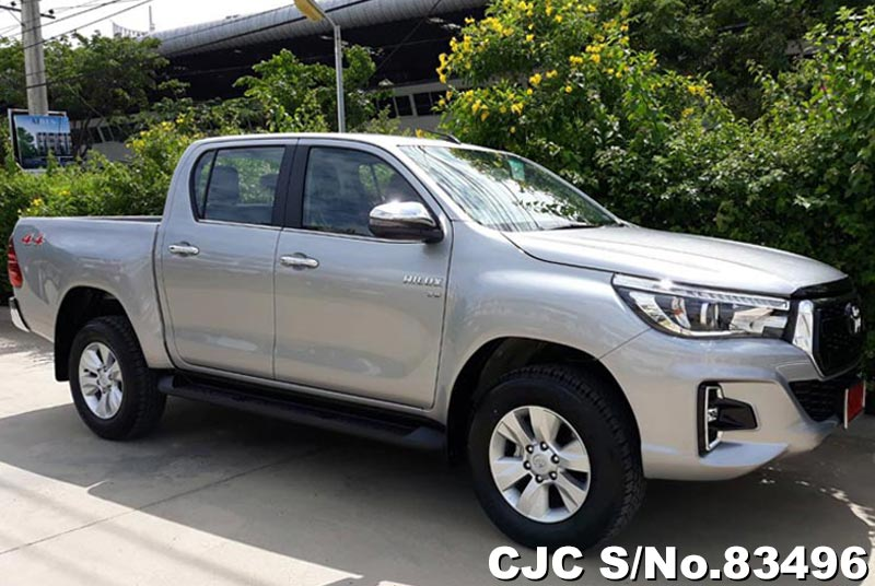 Toyota Hilux Revo Silver AT Double Cab 2017 2.8L