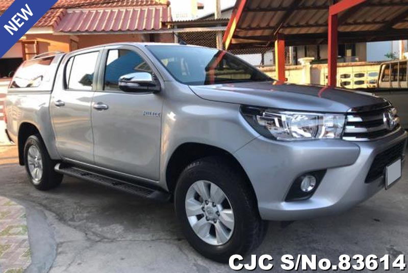 Toyota Hilux Revo Silver AT Double Cab 2016 2.4L